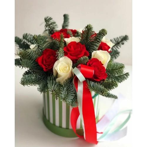 Купить на заказ Заказать Букет «Яркое Рождество» с доставкой по Талдыкоргану с доставкой в Талдыкоргане
